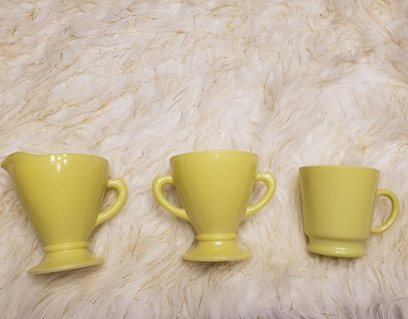 Vintage Cream & Sugar set